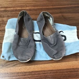Grey Tom's shoes